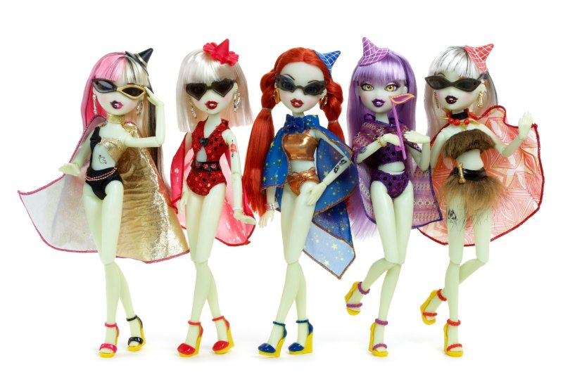Bratzillaz Midnight Beach