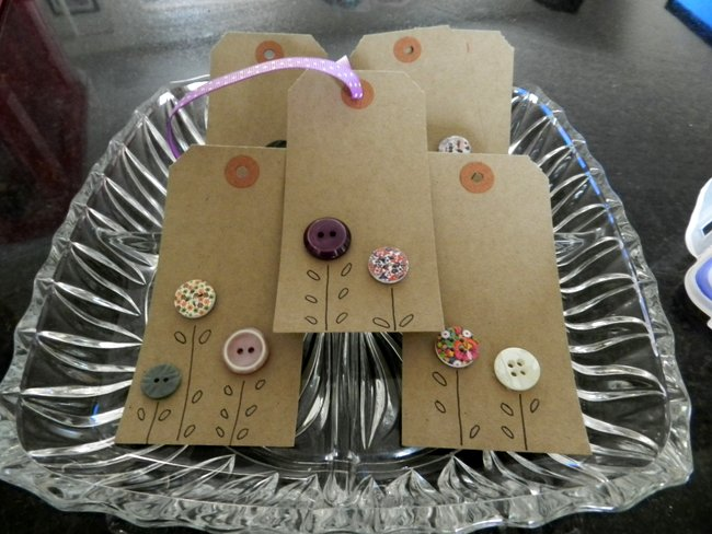 Making you own gift tags homemade ideas the ana mum for Custom tags for crafts
